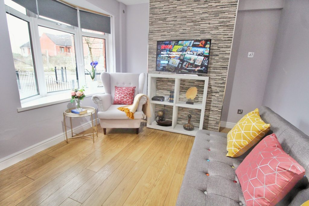 Anjore House Belfast serviced apartment contemporary living room